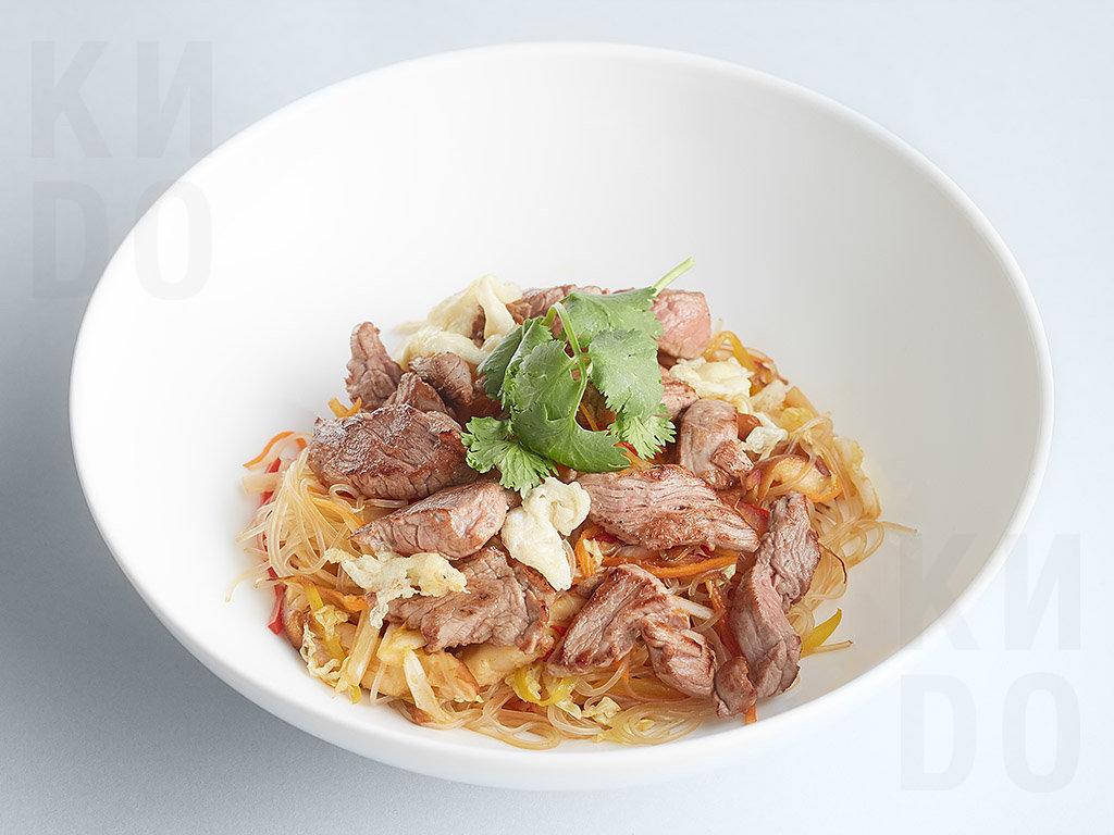 Рисовая лапша с телятиной