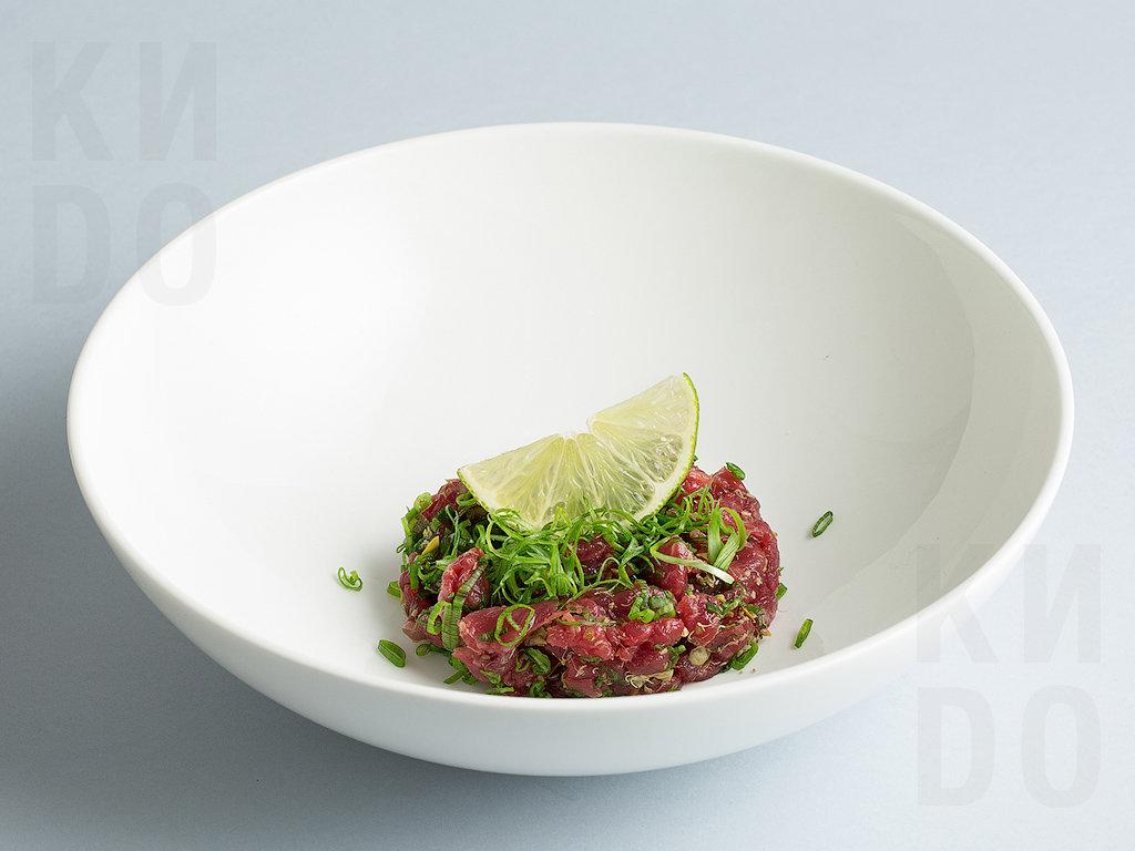 Тар–тар из говядины с трюфельным соусом